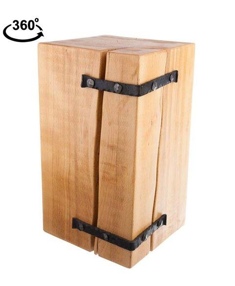 Dřevěná stolička z masivu s kováním