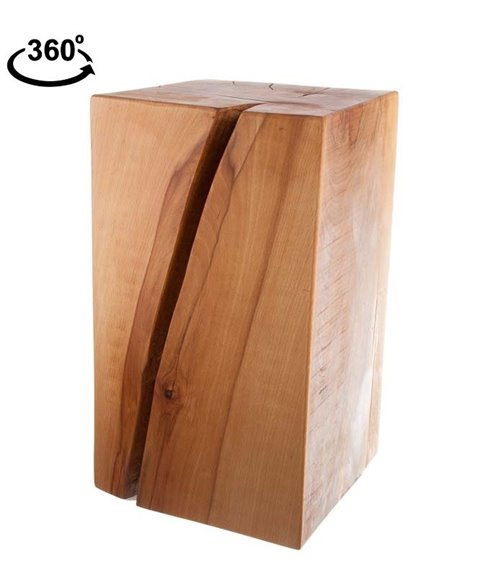 Stolička z dřevěného masivu s diagonální puklinou